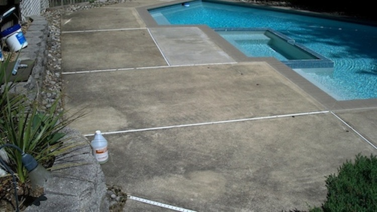Cleaning Black Mildew From A Pool Deck