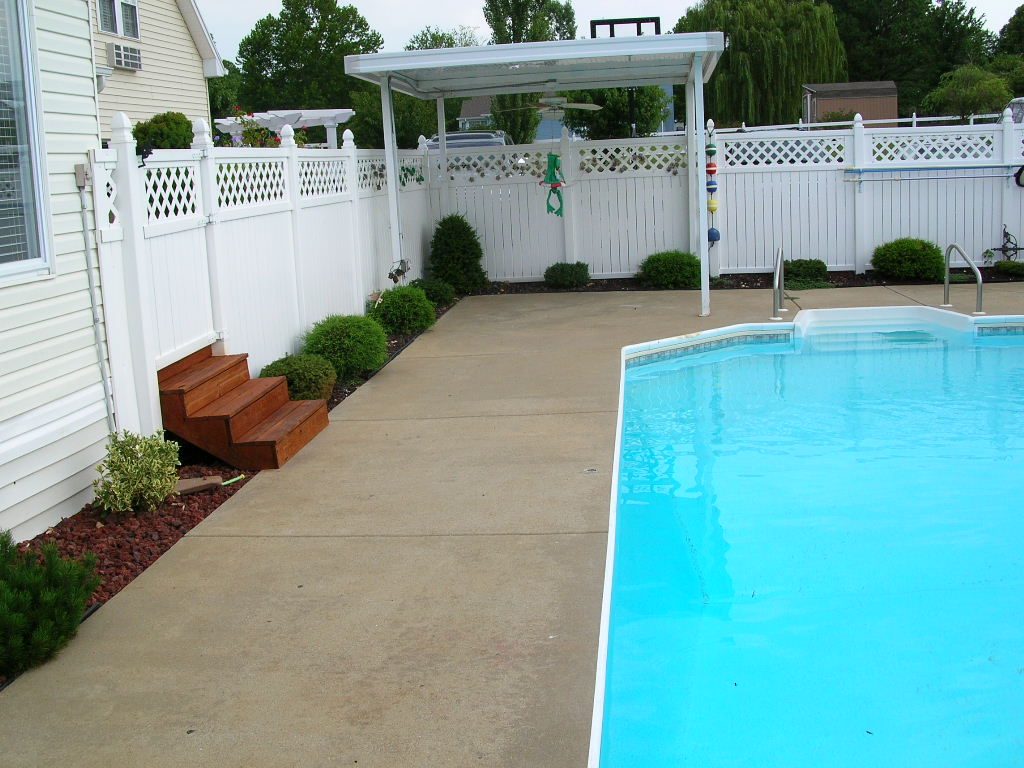 Trojan Color on pool deck before